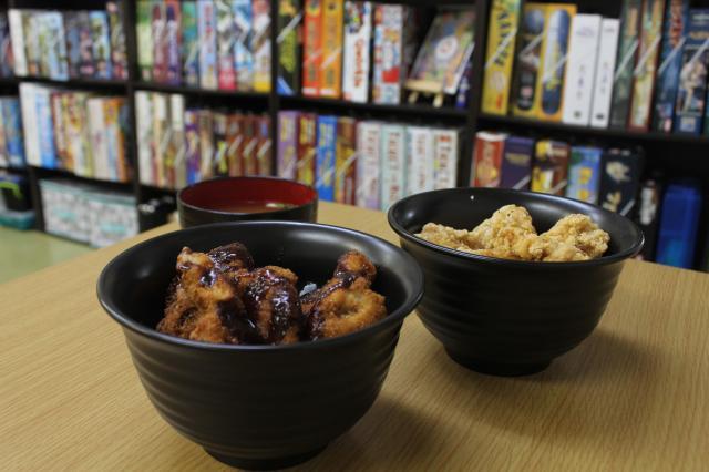 [キニナルッ]人気ボードゲームスペースにガッツリ食べられるフードが登場!