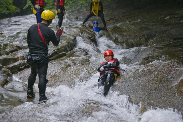 [キニナルッ]4月25日よりスタート!滑床渓谷キャニオニング