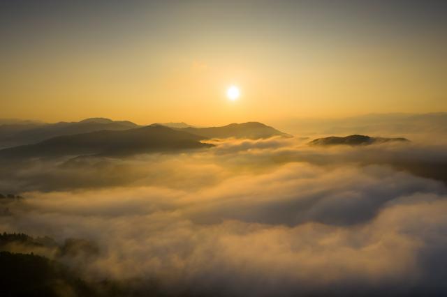[キニナルッ]内子で神秘的な雲海を望む、極上の朝食を!「雲海朝食プラン」予約受付中