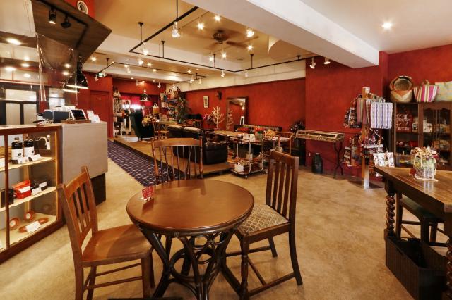 [OPEN]ヨーロッパ調のオシャレな空間で優雅なひとときを過ごせるカフェ[グルメ]