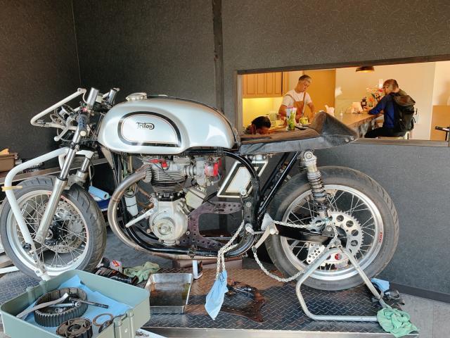 [OPEN]バイクガレージ併設のバイカーズカフェが空港近くにオープン[グルメ]