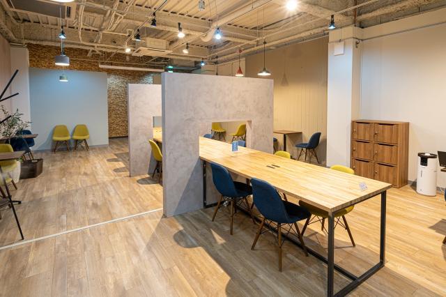 [OPEN]カフェのようなお洒落な空間のコワーキングスペースが誕生[学校・塾・教室]