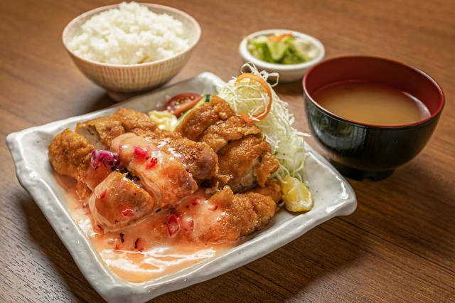 [OPEN]がっつり食べたい人におすすめご飯大盛無料の定食屋が登場[グルメ]