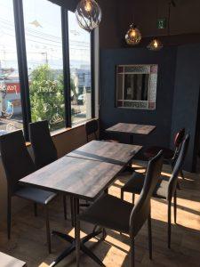 建築屋さんの2Fにカフェ♪